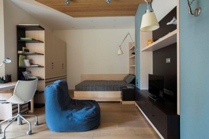 Двухуровневый потолок в комнате подростка