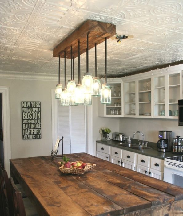 Плитка из пенопласта на потолке в кухне