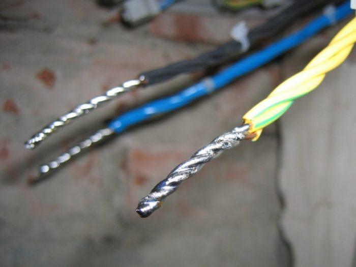 Соединение электропроводов пайкой