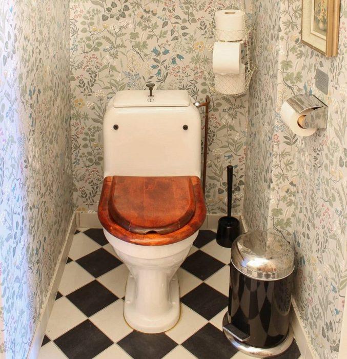 Оформление туалета в эконом-стиле