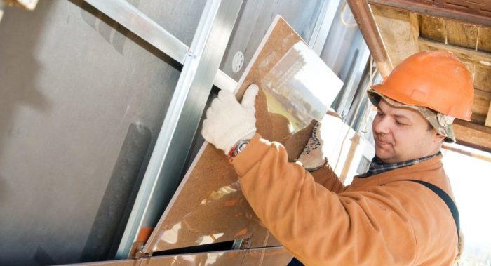 Отделка фасада таким современным материалом, как морозостойкий керамогранит, обладает множеством преимуществ