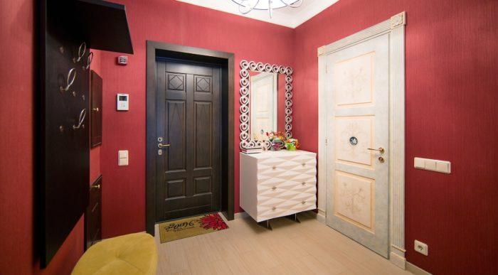 Сегодня отечественный рынок предлагает широкий выбор входных дверей для квартиры