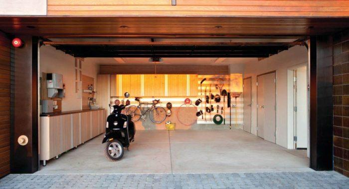 Правильная организация хранения инструментов и запчастей сделает гараж более функциональным