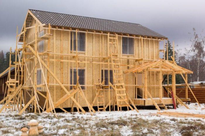 Внешняя обшивка каркасного дома СИП-панелями