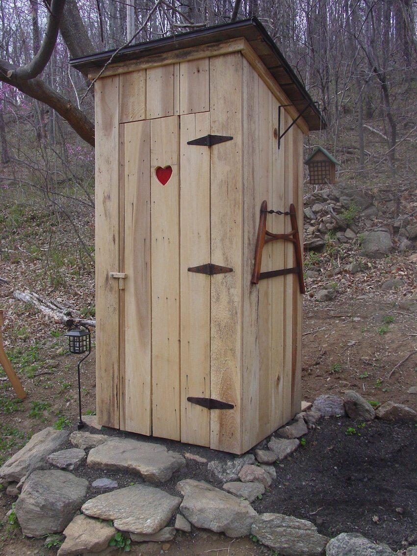 Из чего построить туалет на даче своими руками фото чертежи
