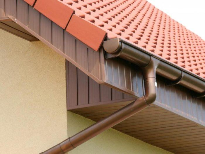 Водостоки для крыши: виды, фото примеры, установка