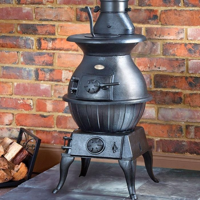 Дровяная печь-буржуйка быстро согреет теплом