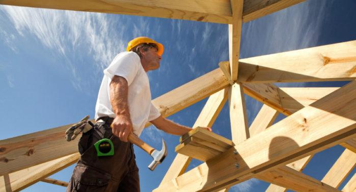 Мансардная крыша позволяет получить дополнительную уютную и просторную комнату чердачного типа