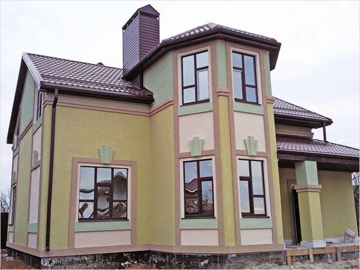 Фасад можно окрашивать в разные цвета