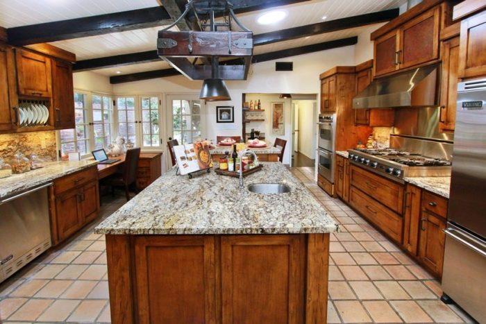 Самыми популярными формами напольной плитки являются квадрат и прямоугольник