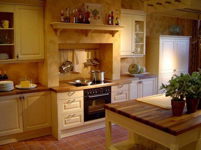 Для небольшой кухни лучше использовать кафель среднего или маленького размера