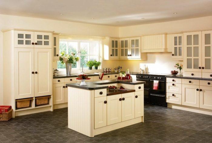 Особенностями керамической плитки являются высокая гигиеничность и простота в уходе