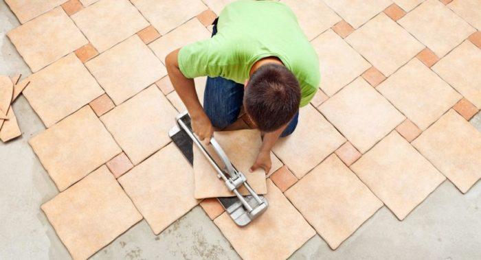 Керамическая плитка – один из самых практичных видов напольного покрытия