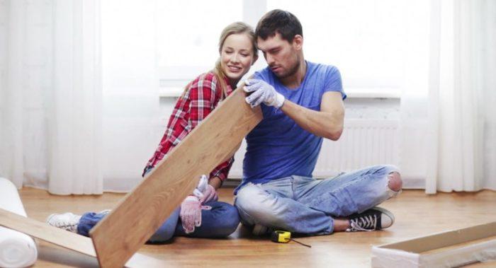 Укладка ламината может быть осуществима практически в любом помещении
