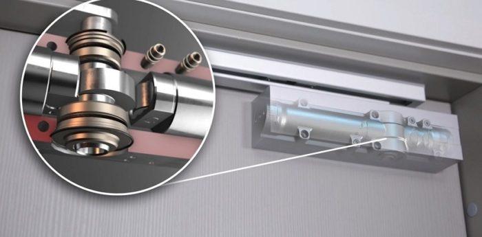 Дверной доводчик со скользящей тягой — вид в разрезе