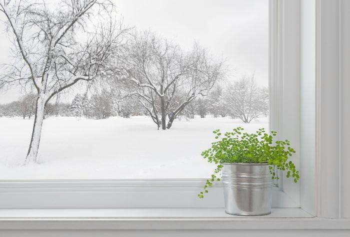 Использование метода перехода окон в зимний режим обеспечит сохранение тепла и уюта в доме