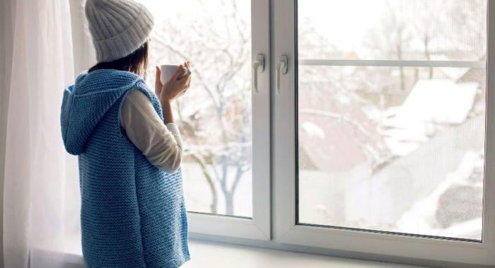 Регулировка сезонных режимов пластикового окна дает возможность продлить срок его службы