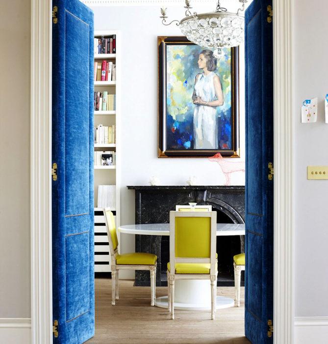 При выборе цвета дверей необходимо ориентироваться на цвет стен и пола