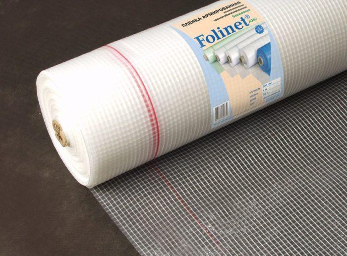 Армированная пленка для теплиц представлена на современном рынке как отечественными, так и импортными изделиями