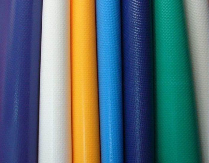 Тенты тарпаулина имеют низкую стоимость, легкий вес и прочную структуру, а также их можно использовать при температуре от -40 °С до +80 °С