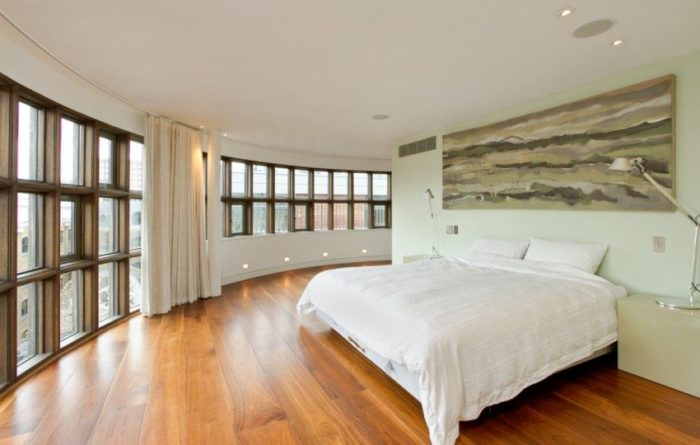 Карниз из гибкого пластика отлично подходит для комнат, имеющих нестандартные округлые формы