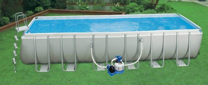 Поддерживать всю толщу воды в чистоте можно с помощью специальных фильтров для бассейнов