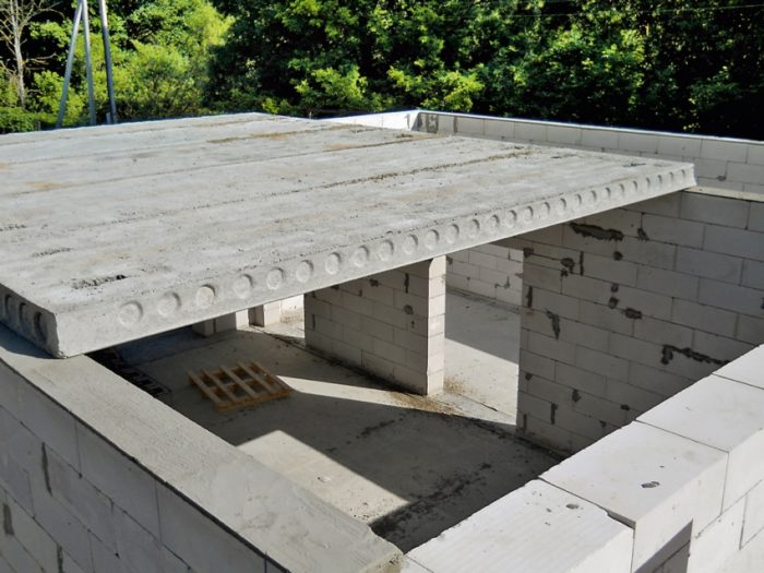 Наиболее распространенные монолитные плиты перекрытия ПК производятся шириной 1, 1,2 и 1,5 метра